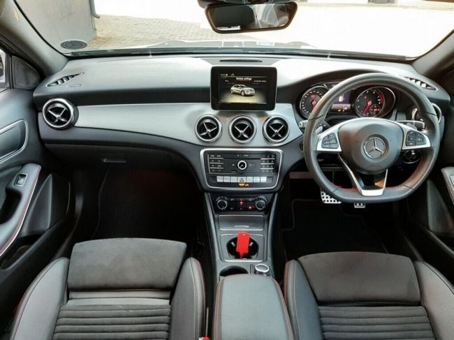 MERCEDES-BENZ GLA 2019  200 A/T for sale