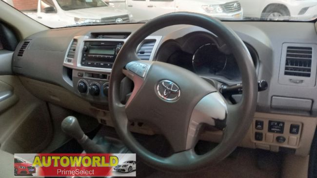 Manual Toyota Fortuner 2012 for sale