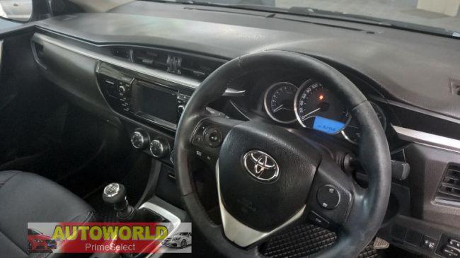 Manual Toyota Corolla 2016 for sale