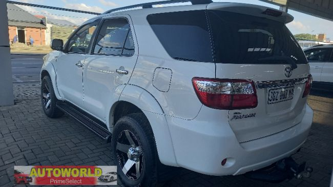 Automatic Toyota Fortuner 2009 for sale